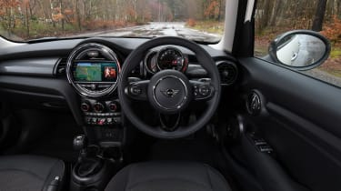 MINI 5-door hatchback dashboard