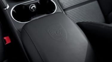 Porsche Cayenne Turbo S E-Hybrid - console