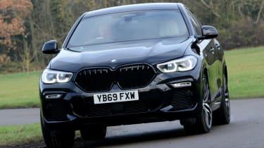 New BMW X6 2020 - front 3/4 dynamic