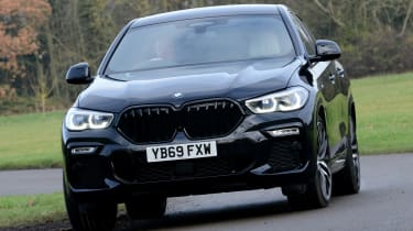 New BMW X6 2020 - front 3/4 dynamic