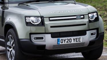 Land Rover Defender 110 - front grille close