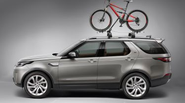 Land Rover Discovery with roof-mounted bike