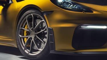 Porsche 718 Cayman GT4 - front wheel close up