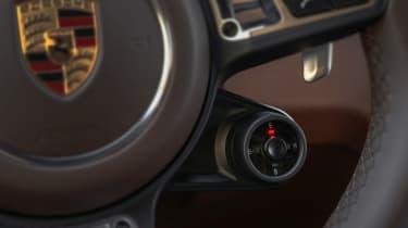 Porsche Cayenne Turbo S E-Hybrid drive selector