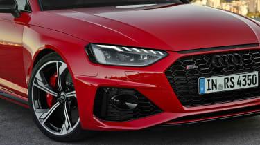 Audi RS4 Avant front end