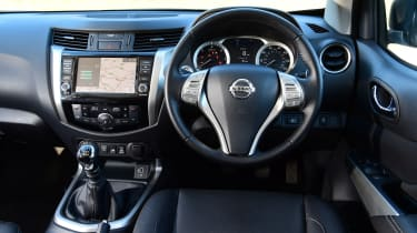 Nissan Navara - dashboard