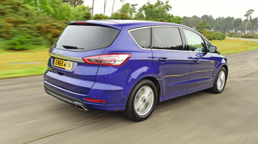 Ford S-MAX - rear 3/4 view