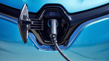 Renault ZOE - charging port
