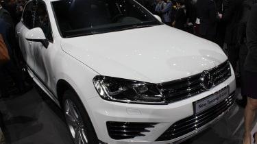 Volkswagen Touareg SUV front quarter static