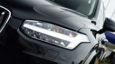 Volvo XC90 SUV headlights