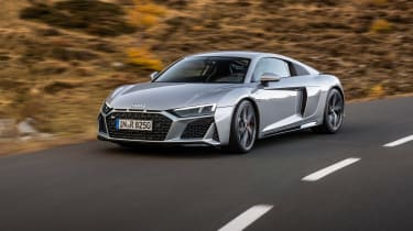 Audi R8 front tracking