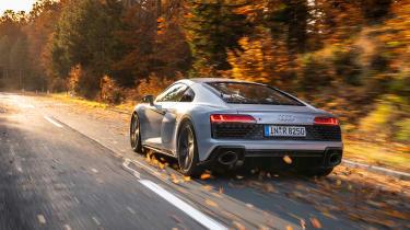 Audi R8 rear tracking